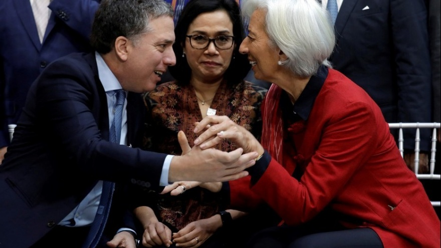 Funcionario de Estados Unidos propone que Argentina vuelva a la convertibilidad